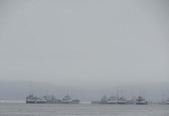 Корабли постоят и ложатся на курс